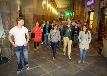 Actividades gratuitas con los cursos de español - paseo por zonas históricas de Bilbao